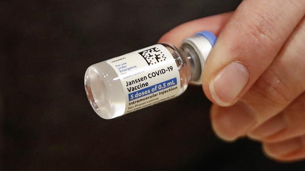 En EEUU, ya se distribuyeron 21 millones de las vacunas monodosis de Johnson & Johnson, pero solamente se inyectaron 11 millones.