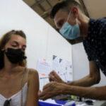 En Francia suspendieron a 3.000 empleados de Salud por no querer vacunarse contra el Covid-19